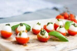 Simple Caprese Salad Bites